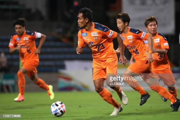Teerasil Dangda of Shimizu S-Pulse in action during the J.League Meiji Yasuda J1 match between Shimizu S-Pulse and Gamba Osaka at IAI Stadium...