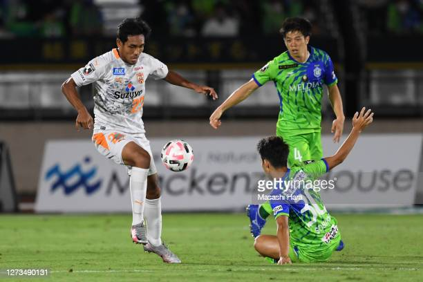 Teerasil Dangda of Shimizu S-Pulse in action during the J.League Meiji Yasuda J1 match between Shonan Bellmare and Shimizu S-Pulse at the Shonan BMW...