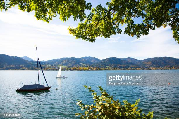 tegernsee, see in bayern, urlaub - tegernsee stock pictures, royalty-free photos & images