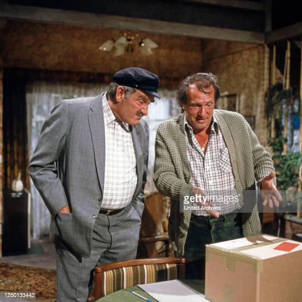 Tegtmeier klärt auf, Fernsehserie, Deutschland 1981, Regie: Gero Erhardt, Darsteller: Jürgen von Manger, Achim Strietzel.