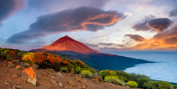 Teide volcano in Tenerife in the beautiful light of the setting sun 965489184