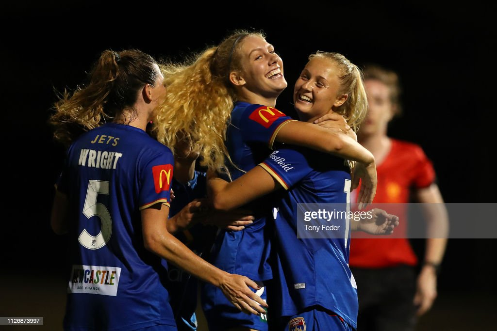 W-League Rd 14 - Newcastle v Western Sydney : ニュース写真