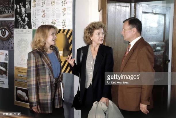Teil / D 1995 / Gunther Scholz / Frau Voigt , Anna , Geyer .