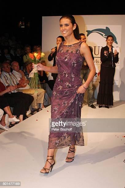 Teilnehmerin der Miss GermanyWahl 2005 MissenCamp Modenschau im Hotel Dunas La Canaria Maspalomas Insel Gran Canaria Kanarische Insel Spanien Europa...