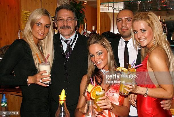 Teilnehmerinnen der Queen of the WorldWahl 2007 Diskothek in Aschaffenburg Bayern Deutschland Europa Model MissWahl Missen Promi TP FTP PNr 2069/2007...