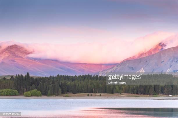 lago tekapo aoraki monte cook nueva zelanda - iglesia del buen pastor tekapo fotografías e imágenes de stock
