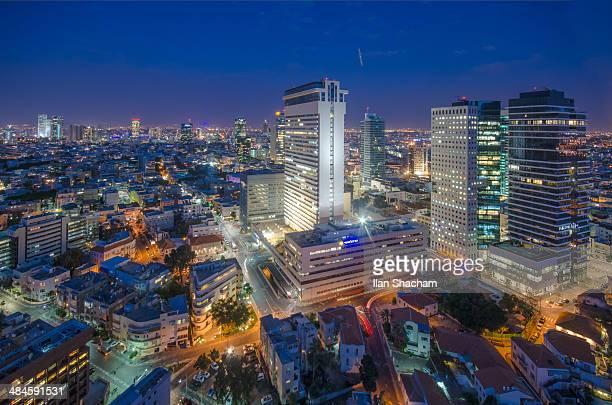 tel-aviv shalom tower dusk - tel aviv stock pictures, royalty-free photos & images