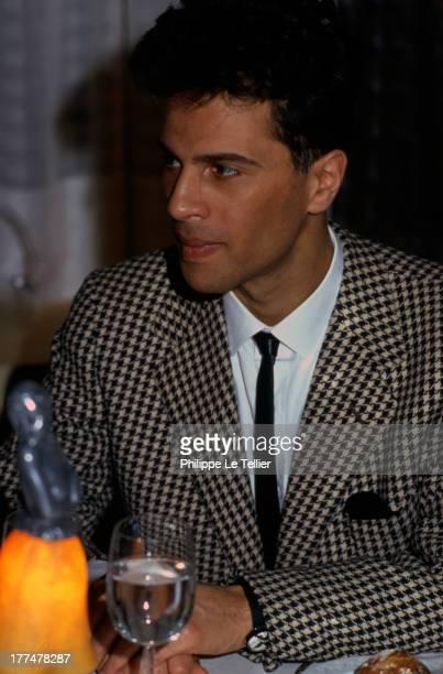 Tele Presenter Grishka Bogdanoff during a dinner in Paris in France 1989 Le presenteur tele Grichka Bogdanoff au cours d'un diner a Paris en...
