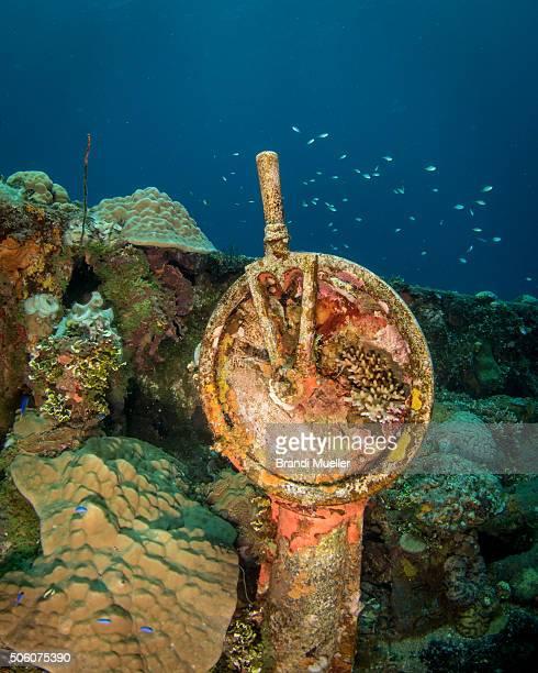 telegraph on the fujikawa maru - lagon chuuk photos et images de collection