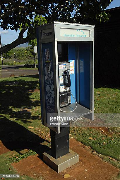 Telephone booth by Hawaiian Telcom 1 Jan 2013