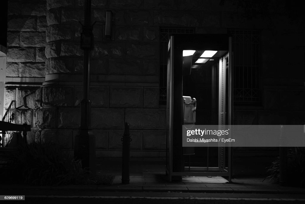 Telephone Booth By Roadside : Stock Photo