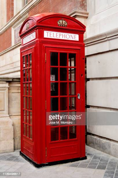 telephone booth london - double decker bus stock pictures, royalty-free photos & images