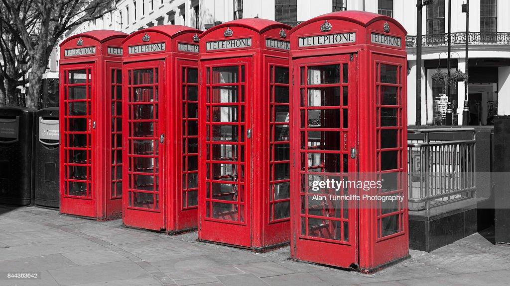 UK telephone boxes : ストックフォト