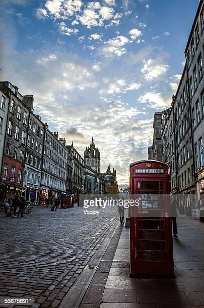 telephone on the royal mile, old town, edinburgh - vsojoy stockfoto's en -beelden
