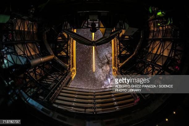 ut4 telescope - observatory stock pictures, royalty-free photos & images