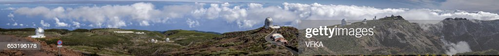 Telescopes on Roque de los Muchacos, La Palma, Spain : Bildbanksbilder