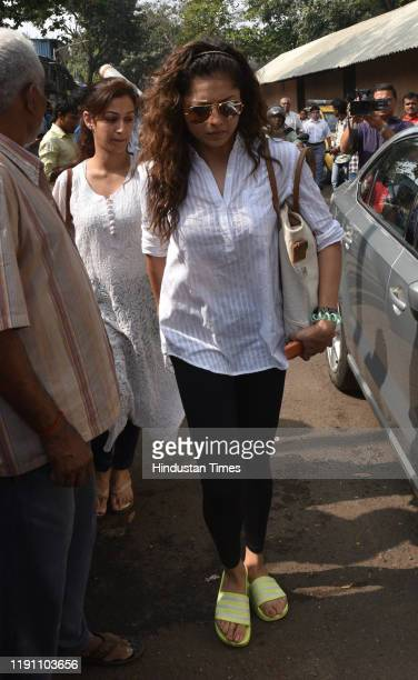 Television actor Drashti Dhami during the funeral of Television actor Kushal Punjabi at Santa Cruz crematorium on December 28 2019 in Mumbai India...