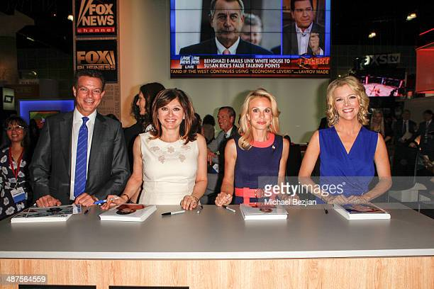 Television Anchors Shepard Smith Maria Bartiromo Elisabeth Hasselbeck and Megyn Kelly at The Cable Show on April 30 2014 in Los Angeles California