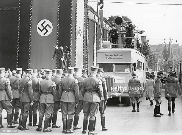 Television broadcast of the German 'Reichspost' on the occasion of the firsttime television broadcast of the Nuremberg Rally Photography Germany 1937...