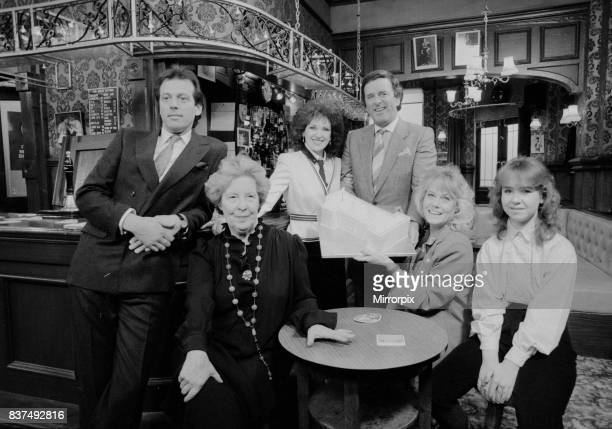 BBC television chat show host Terry Wogan at the Queen Vic pub while on the set of soap opera Eastenders for a party February 1986 © Mirrorpix