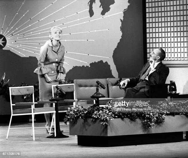 CBS television comedy / interview program Tell It To Groucho hosted by Groucho Marx Image dated December 6 1961 Los Angeles CA Grouch Marx chats with...