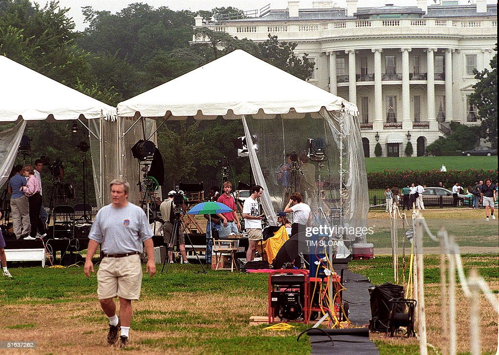 Television crews from Europe and Canada set up broadcast tents on the Ellipse on the South & Starr Testimony Stock Photos and Pictures | Getty Images
