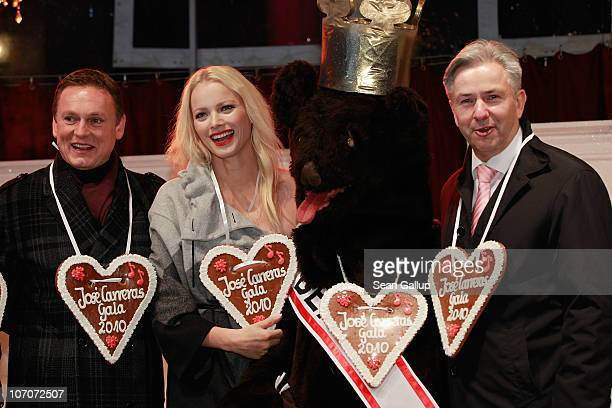 Television host Axel Bulthaupt model Franziska Knuppe and Berlin Mayor Klaus Wowereit attend the official opening of the Christmas Market at...
