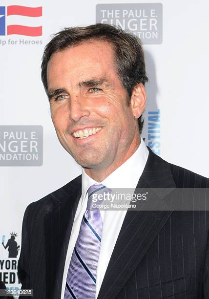 Television journalist Bob Woodruff attends Stand Up For Heroes presented by the New York Comedy Festival and the Bob Woodruff Foundation at The...