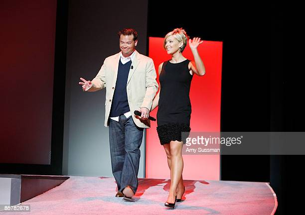Television personalities Jon Gosselin and Kate Gosselin of TLC's Jon Kate Plus 8 attend Discovery Upfront at Jazz at Lincoln Center April 2 2009 in...