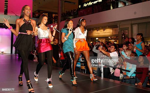 Television personalities Lynn James Vanessa Simmons Angela Simmons and Jessica Brown present creations from the Simmons' Spring 2009 Pastry handbag...