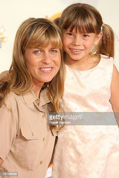 Television personalities Terri Irwin and Bindi Irwin arrive at the 20th Annual Kid's Choice Awards held at the UCLA Pauley Pavilion on March 31 2007...