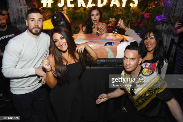 Television personalities Vinny Guadagnino Deena Cortese Jenni 'JWoww' Farley Nicole 'Snooki' Polizzi and Mike 'The Situation' Sorrentino attend MTV's...