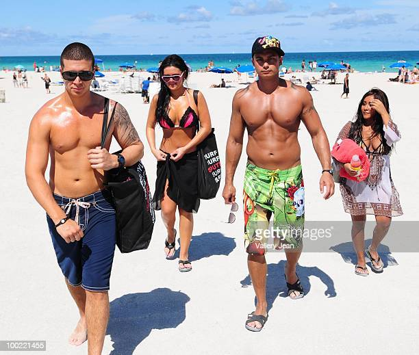 Television personalities Vinny Guadagnino Jenni JWoww Farley Paul Pauly D DelVecchio and Nicole Snooki Polizzi visit the beach on May 20 2010 in...