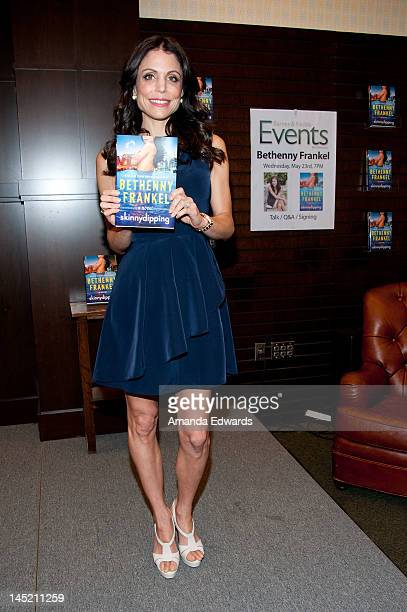 Television personality Bethenny Frankel poses before signing copies of her new book 'Skinnydipping' at Barnes Noble bookstore at The Grove on May 23...