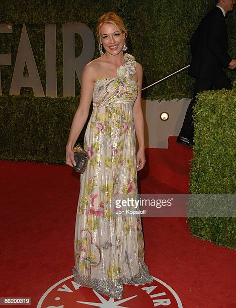 Television personality Cat Deeley arrives at the 2009 Vanity Fair Oscar Party at the Sunset Tower on February 22, 2009 in West Hollywood, California.