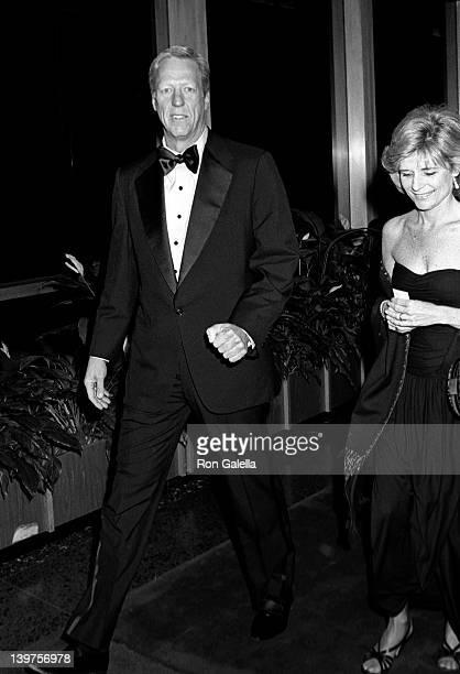 Television Personality David Hartman and wife Maureen Downey attend the dinner party for 10th Annual Kennedy Center Honors on December 5 1987 at the...