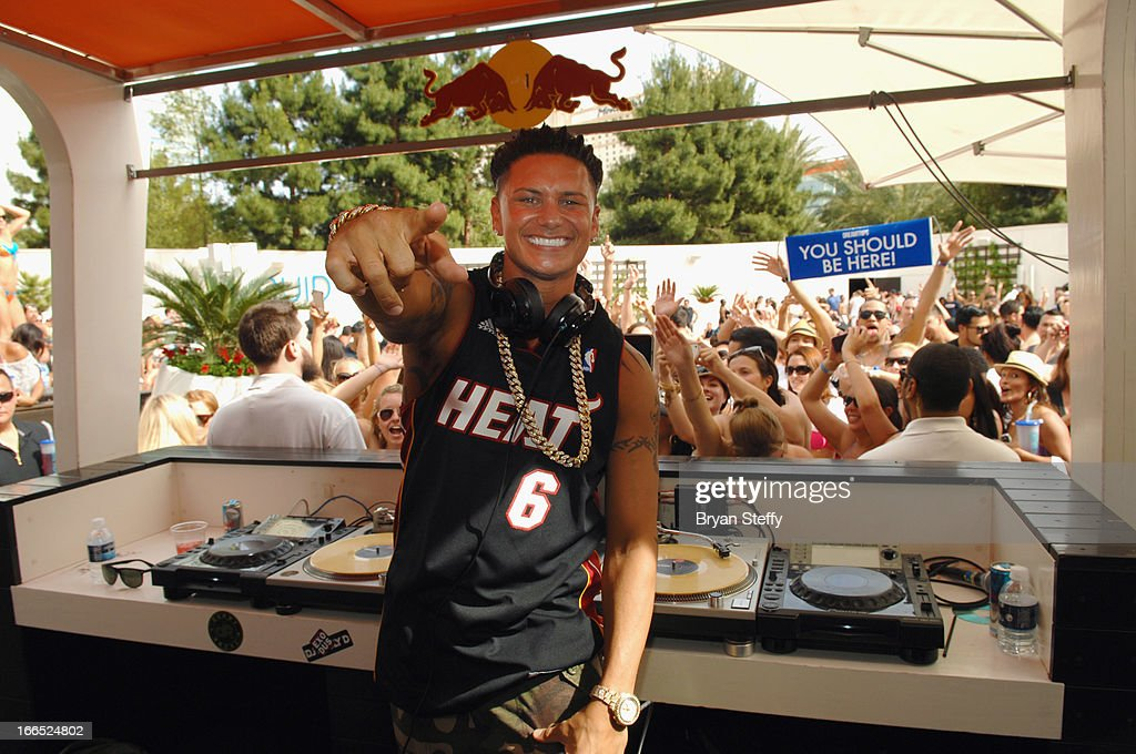 Television personality DJ Paul 'Pauly D' DelVecchio performs at the Liquid Pool Lounge at the Aria Resort & Casino at CityCenter on April 13, 2013 in Las Vegas, Nevada.