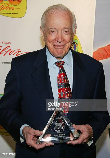 Television personality Hugh Downs poses after being inducted into the American TV Game Show Hall of Fame at the Las Vegas Hilton October 13 2007 in...