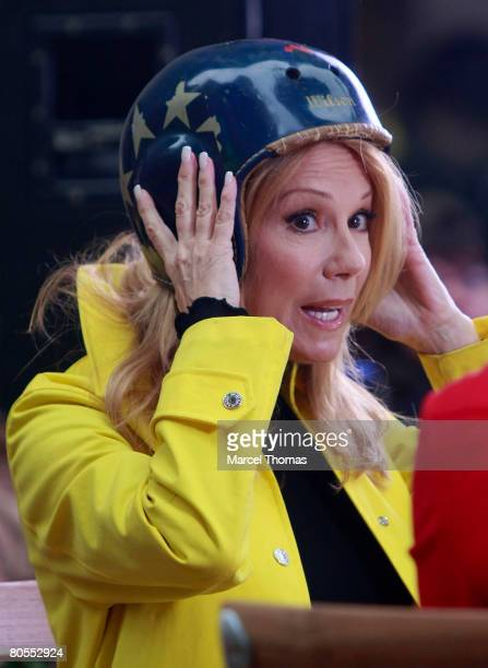Television personality Kathie Lee Gifford makes her debut as new cohost of NBC Television Today Show at Rockerfellow Plaza on April 7 2008 in New...