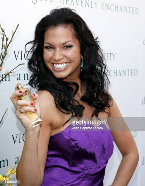 Television personality Melissa Rycroft visits the Victoria's Secret store at The Grove August 26 2009 in Los Angeles California
