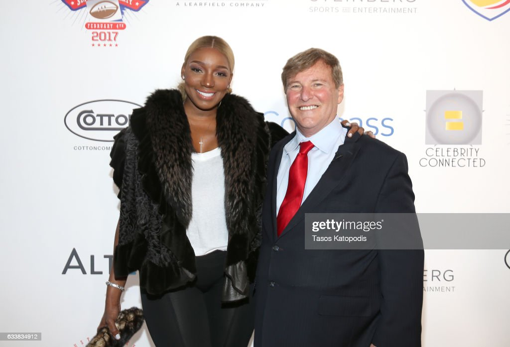 Television personality NeNe Leakes and sports agent/event host Leigh Steinberg attend the 30th Annual Leigh Steinberg Super Bowl Party on February 4, 2017 in Houston, Texas.