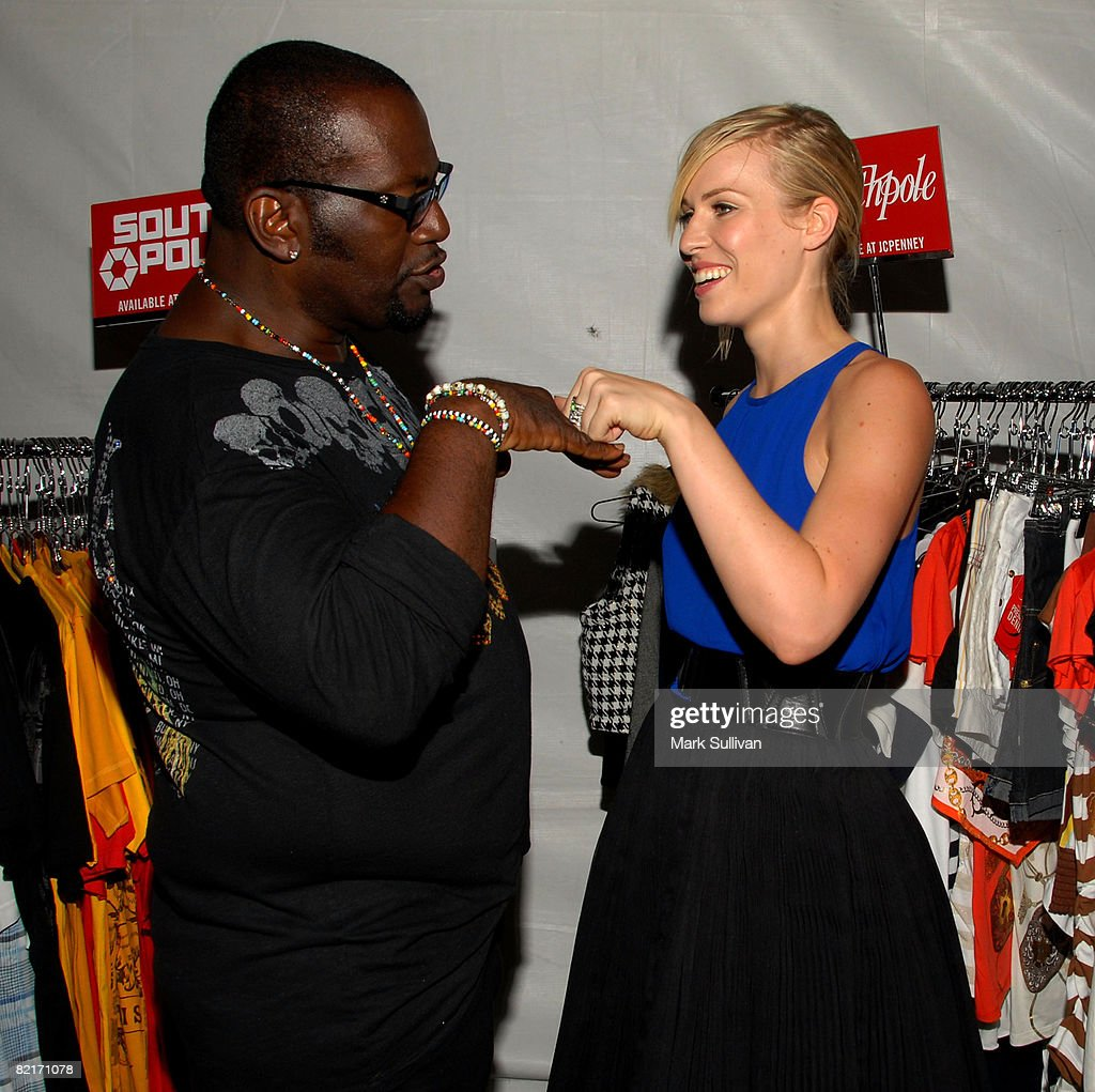 Backstage Creations at the 2008 Teen Choice Awards Day 2 : News Photo