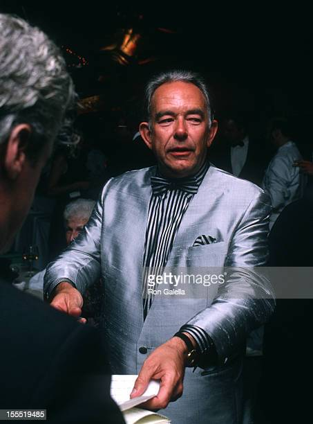 Television Personality Robin Leach and wife Judith Ledford attend Fifth Annual City Meals On Wheels Benefit Honoring James Beard on June 5 1989 at...
