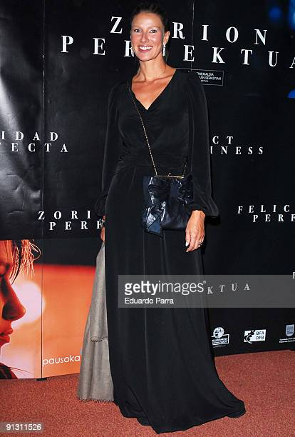 Television presenter Anne Igartiburu attends the 'Felicidad perfecta' photocall at Cines Callao on October 1 2009 in Madrid Spain
