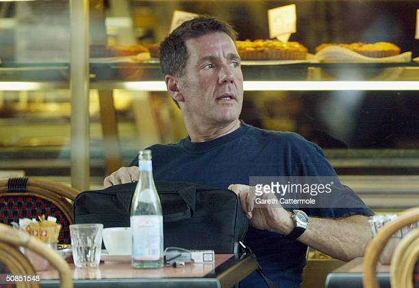 Television presenter Dale Winton is seen out having coffee with friends on May 18, 2004 in Central London.
