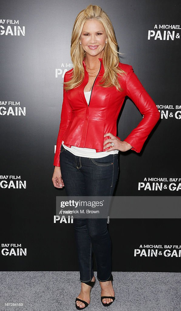 Television reporter Nancy O'Dell attends the premiere of Paramount Pictures' 'Pain & Gain' at the TCL Chinese Theatre on April 22, 2013 in Hollywood, California.