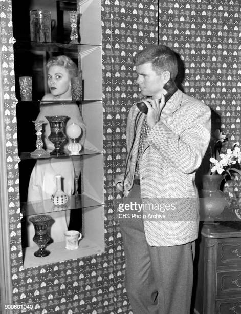 Television situation comedy program, My Favorite Husband. Joan Caulfield , and Barry Nelson . Image dated May 11, 1953. Los Angeles, CA.