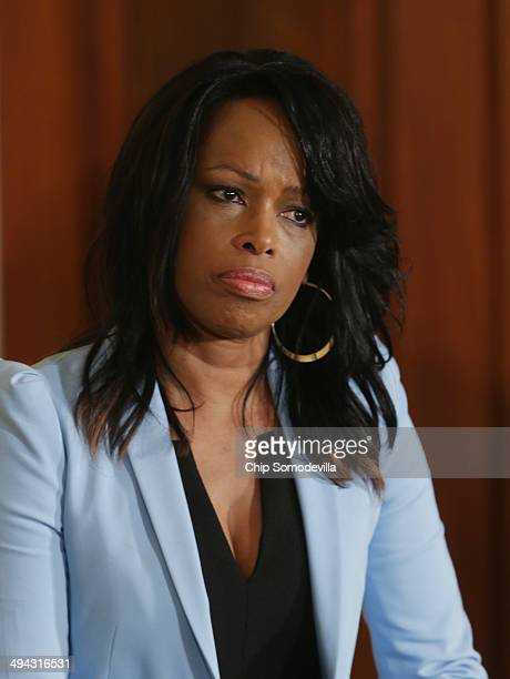 Television sportscaster Pam Oliver moderates a panel during the Healthy Kids Safe Sports Concussion Summit in the East Room of the White House May 29...