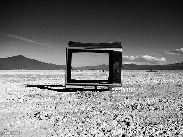 Television without stars