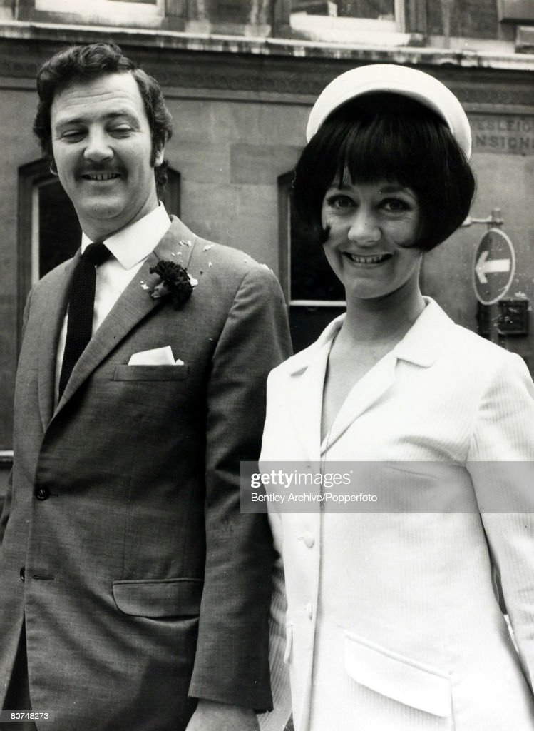 Television/Cinema Personalities pic:19th June 1967. English actress Amanda Barrie leaves Caxton Hall, London with her husband Robin Hunter after their wedding. Amanda Barrie, born 1936, has had a long career as an actress, in the 1960's she played the co : News Photo